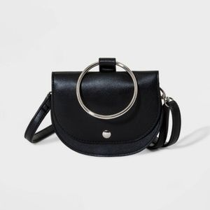 🌻 Art Class Black Ring Top Handle Crossbody Bag